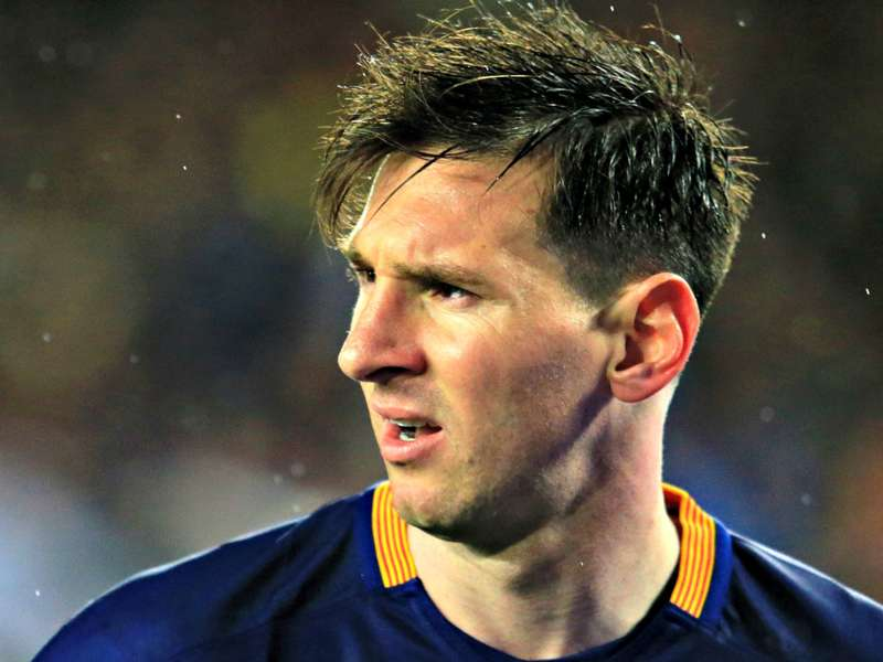 Messi pays tribute to 'legend' Cruyff