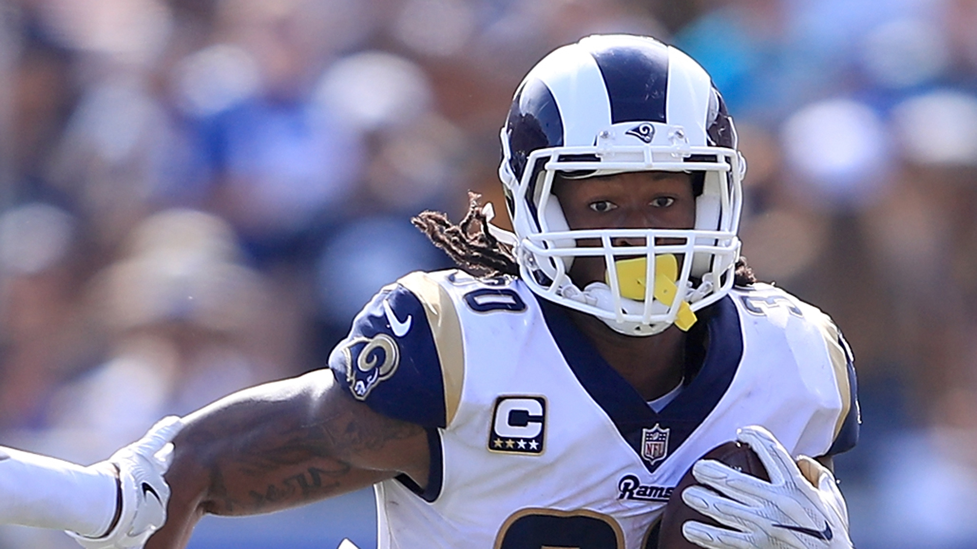 Watch Rams RB Todd Gurley hurdles his way to a touchdown