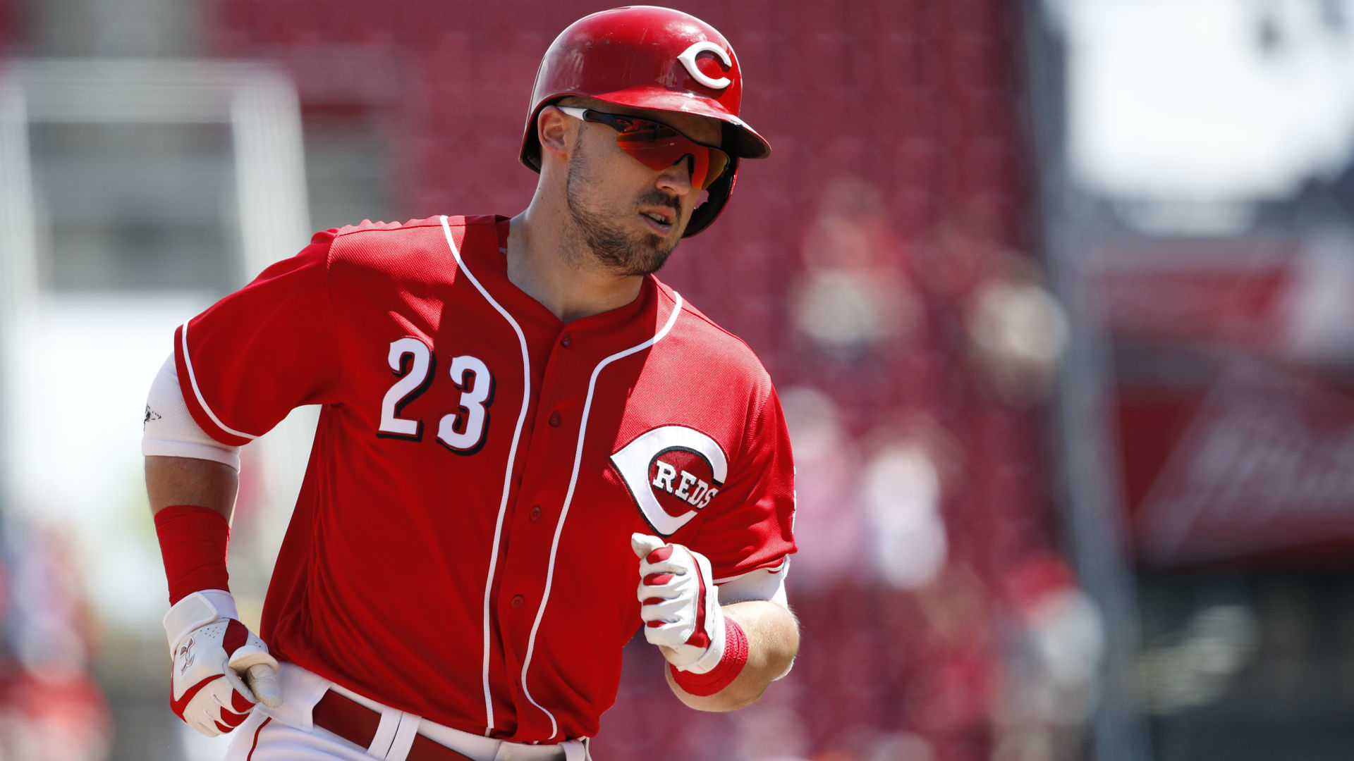 Atlanta Braves send trio to Cincinnati Reds for Adam Duvall