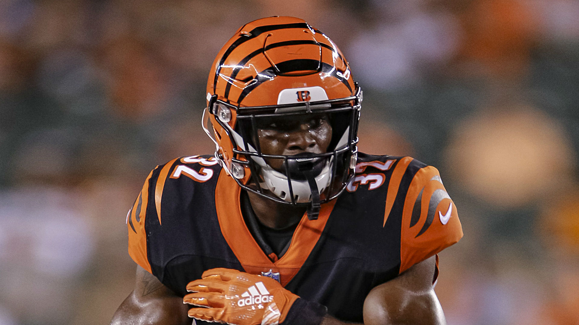 Bengals waive Walton after 3rd arrest of 2019