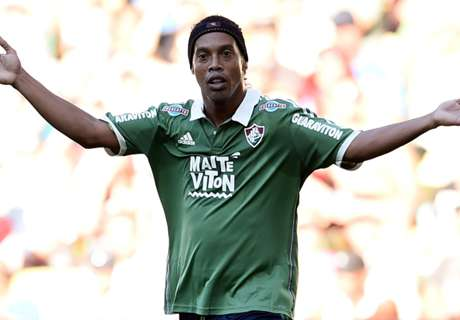 Ronaldinho released by Fluminense