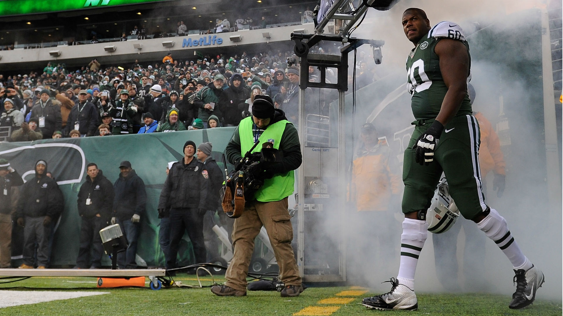 Jets get Clady from Broncos to replace Ferguson