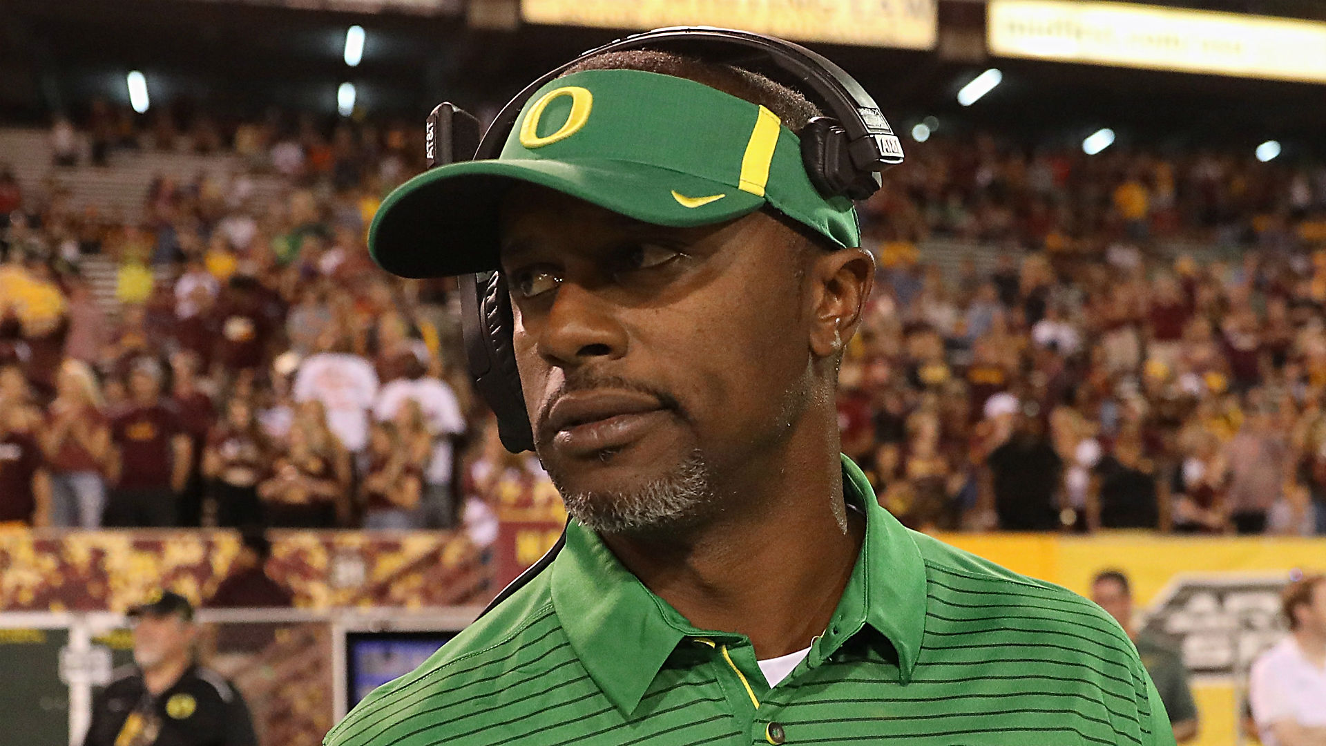 As coaching carousel madly spins, OR reportedly offers Willie Taggart new deal