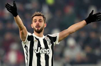 Juventus 'pianist' Pjanic admits he turned down Spurs and Arsenal