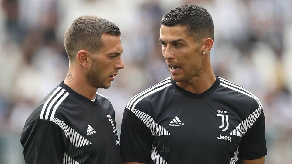 Federico Bernardeschi and Cristiano Ronaldo - cropped