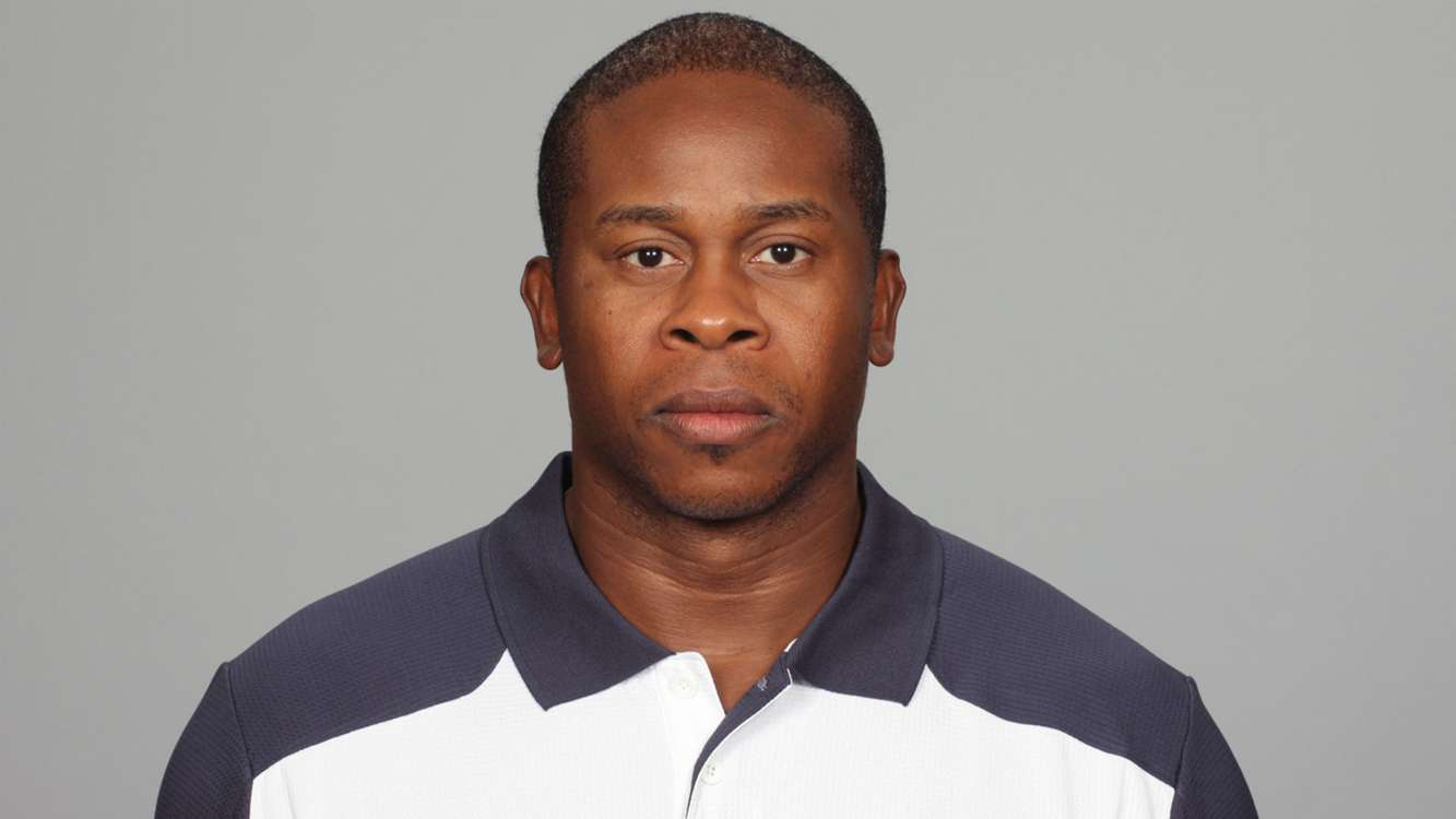 Broncos hire Vance Joseph as coach