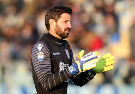 Milan re-sign 40-year-old Storari