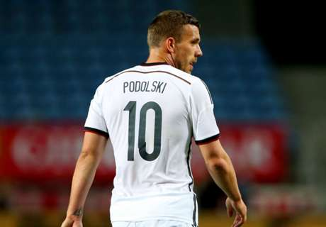 Podolski completes Galatasaray move