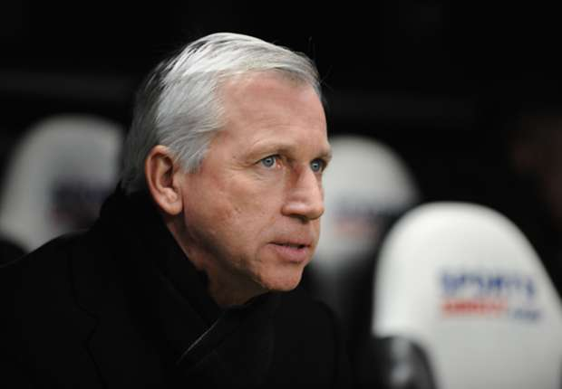 Newcastle boss Pardew will bide his time in January