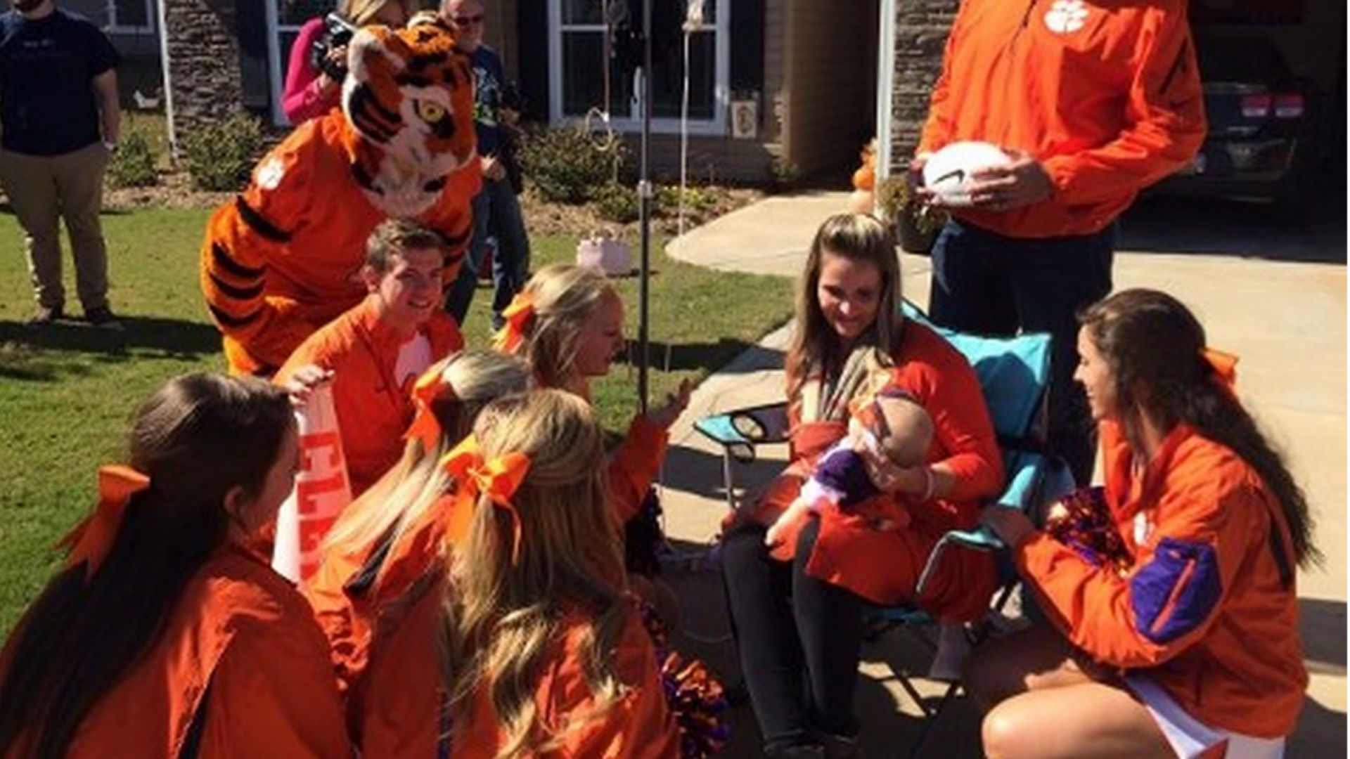 clemson-rally-10202015-US-News-WYFF-FTR