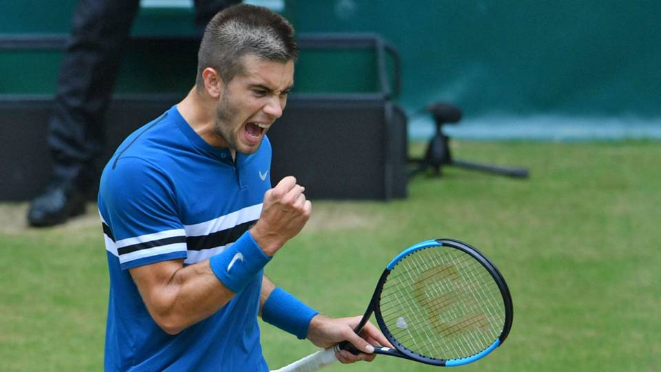 Borna Coric stuns Roger Federer to claim title in Gerry Weber final