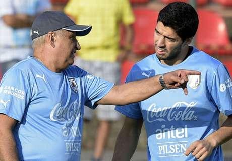 Suarez pays tribute to Uruguay physio