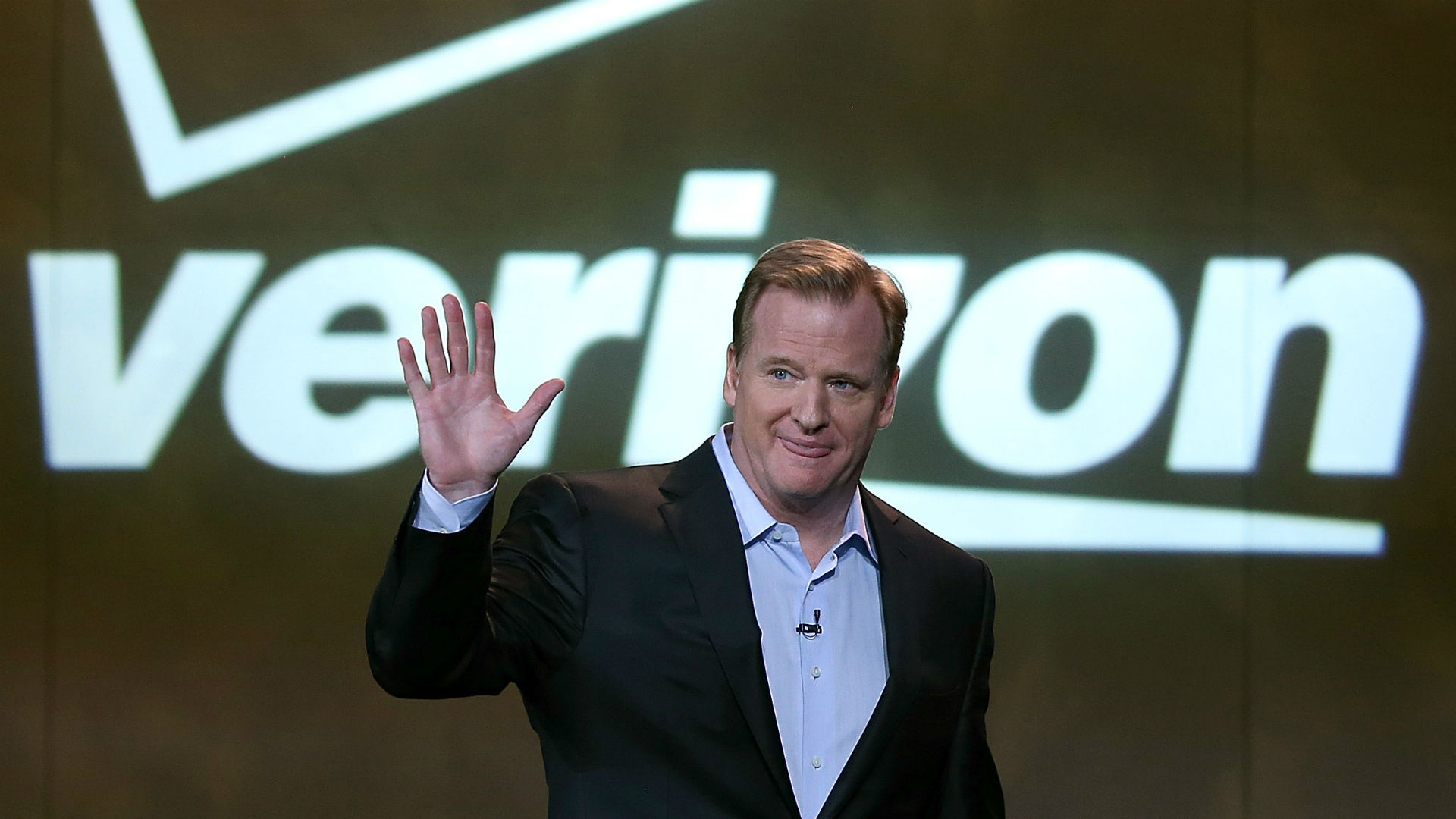 Why Verizon Paid The NFL $21 Million To Broadcast A Lackluster Game