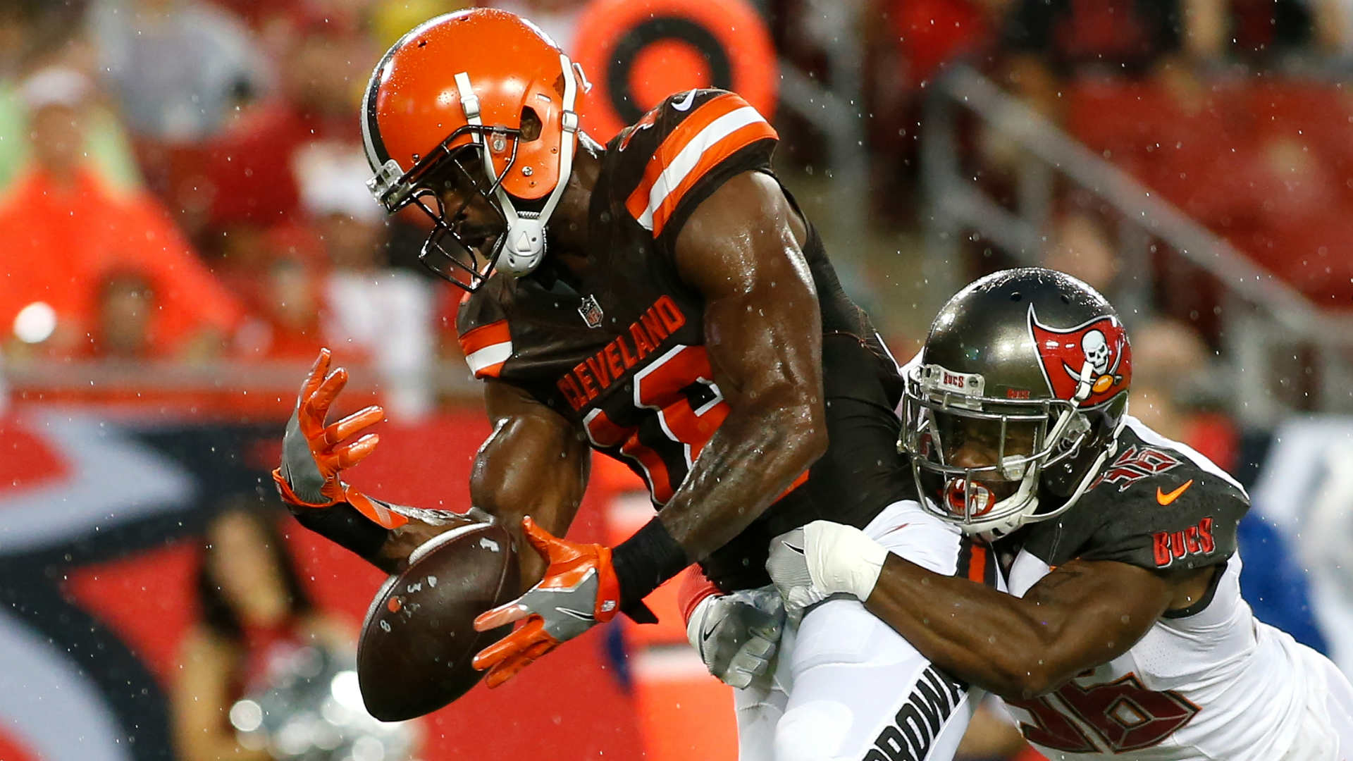 Hue Jackson challenges Kenny Britt to 'step up'