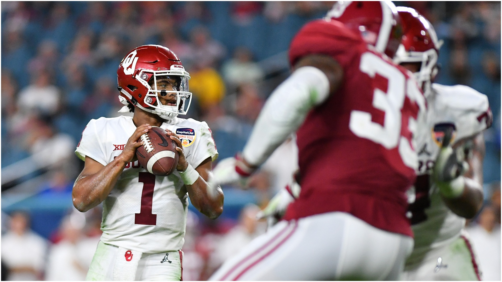 Kyler Murray criticism 'garbage,' says Oklahoma teammate Ben Powers
