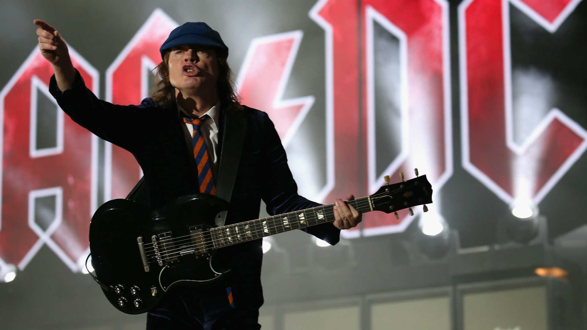 ACDC-09222015-US-News-Getty-FTR
