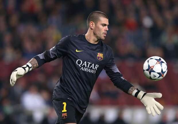 Bartomeu hints at possible Barcelona stay for Valdes