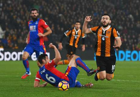 Pardew sorry for ref over Snodgrass dive