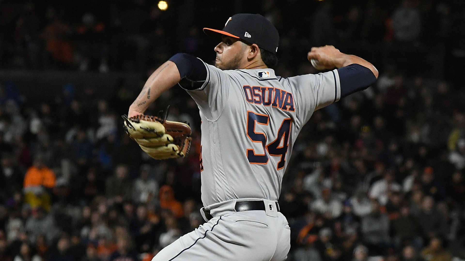 Astros' Roberto Osuna reinstated from restricted list