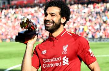 Salah would win an award for getting out his car - Klopp jokes about star's prizes