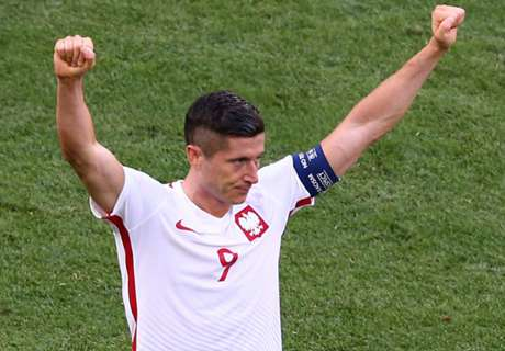 Lewandowski wants more from Poland