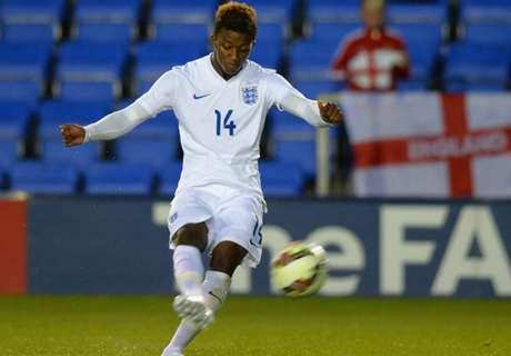 Leicester sign Demarai Gray
