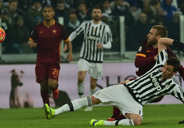 'I will teach him to cover his mouth' - Spalletti defends De Rossi in racism row