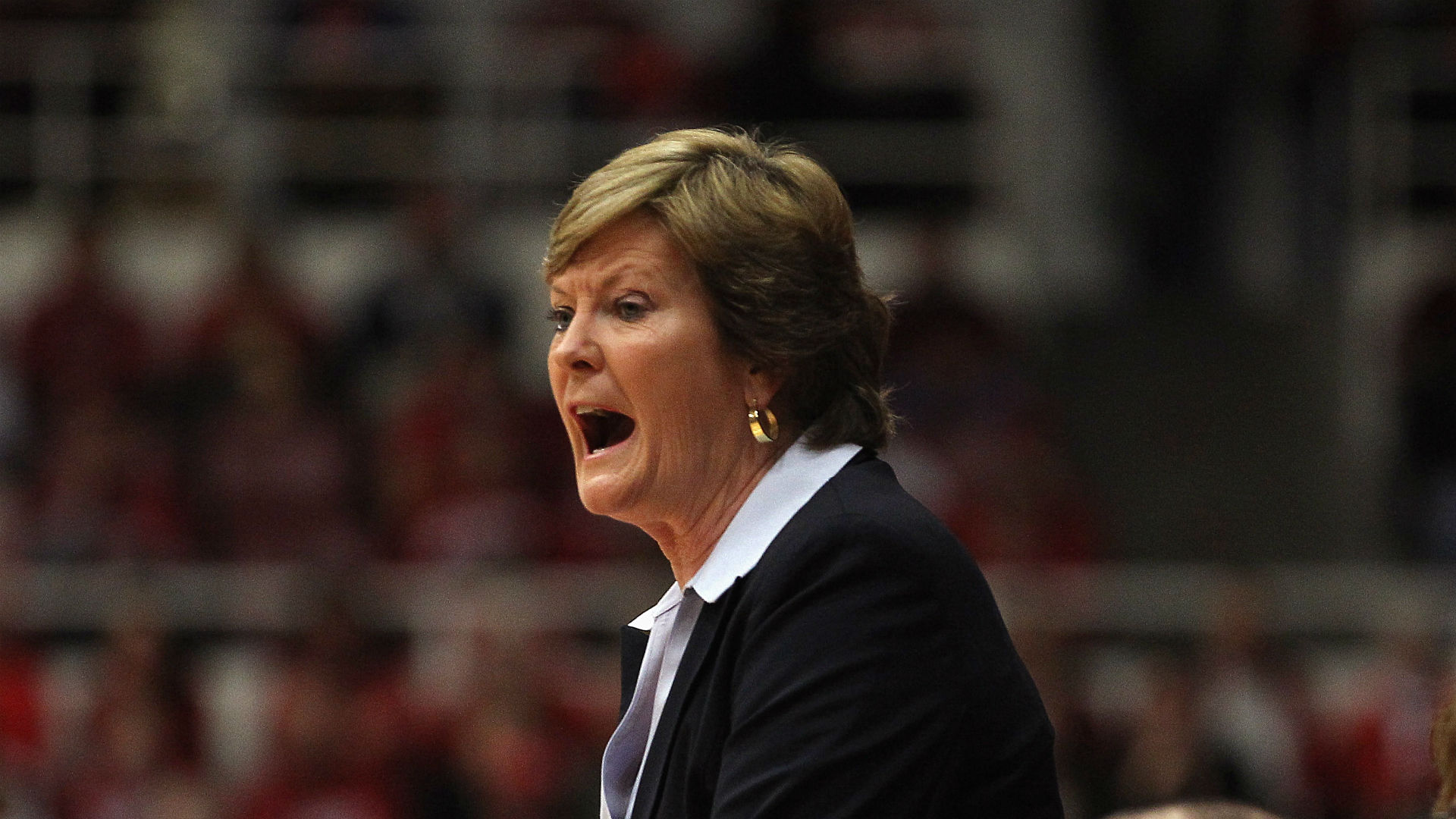 Family of legendary coach Pat Summitt asking for prayers