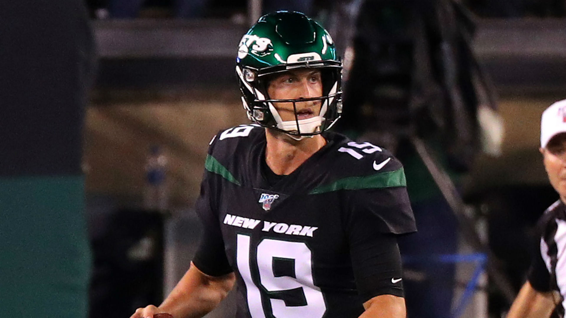 Trevor Siemian injury update: Jets quarterback exits game vs. Browns with ankle injury