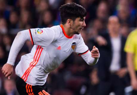 Soler signs deal after Man Utd link