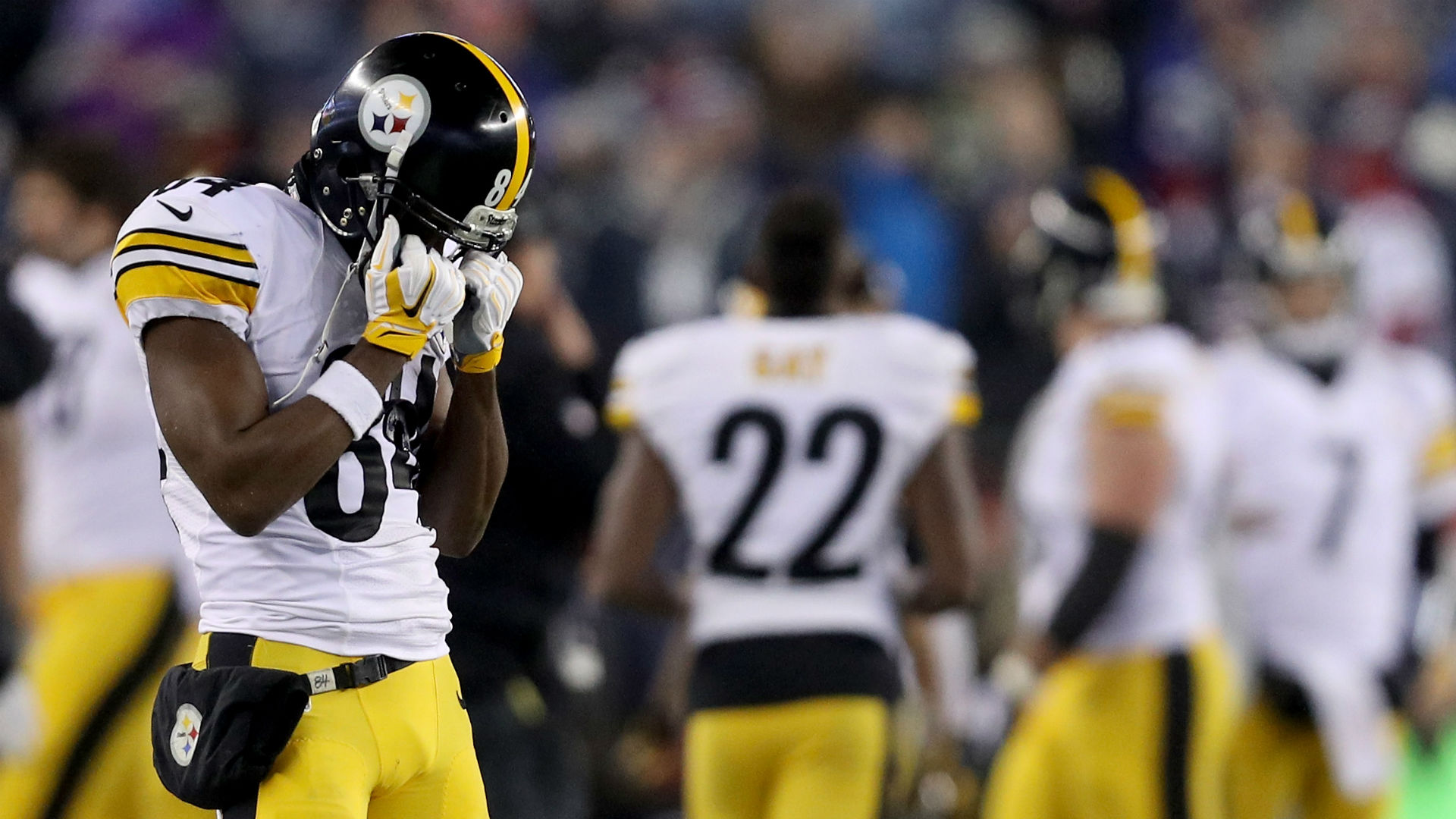 Antonio Brown's locker room video didn't end up costing him much
