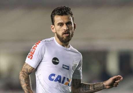 Lucas Lima denies Barca offer
