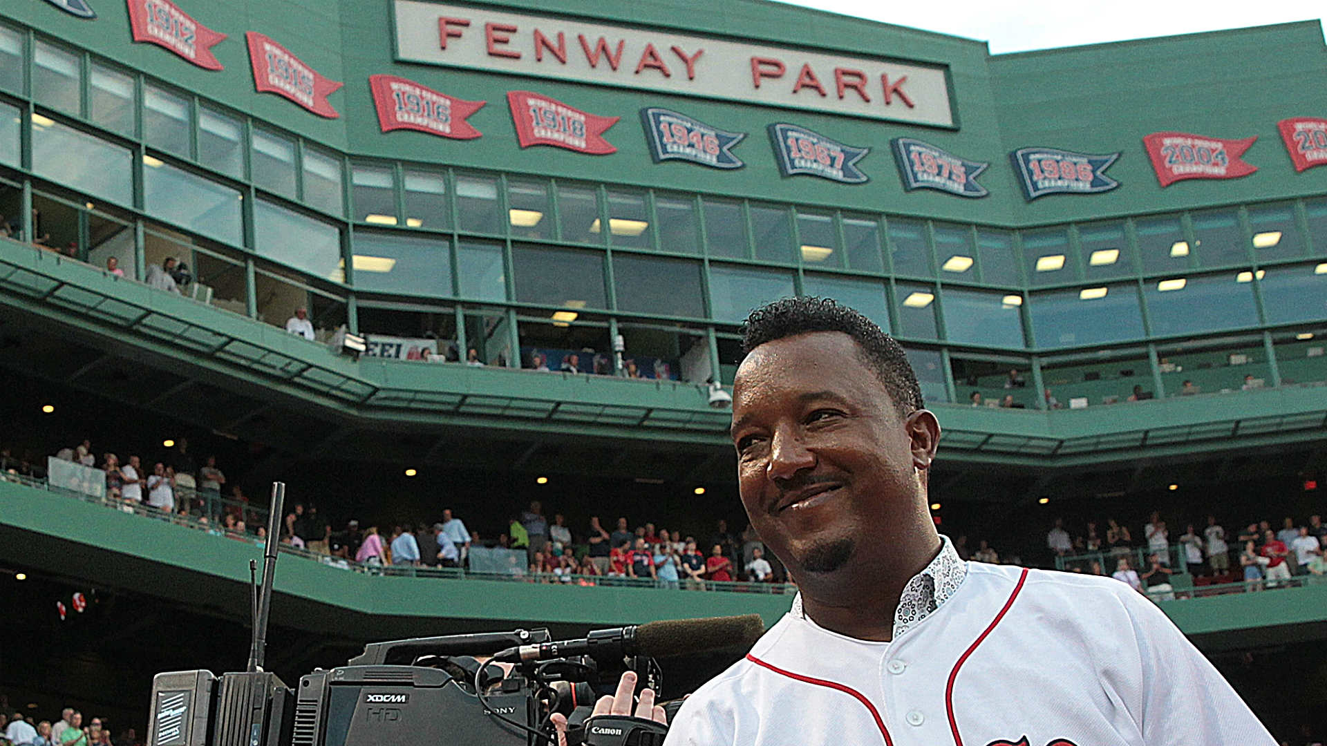 Pedro Martinez Says Racist Fan Who Taunted Adam Jones Is