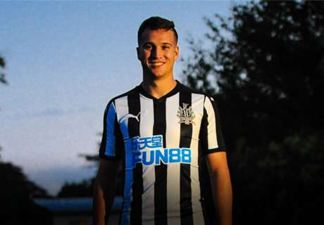 Newcastle seal Manquillo signing