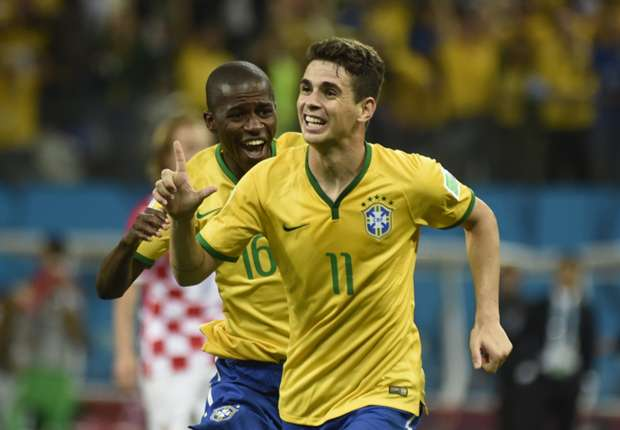 Oscar: Brazil must fix problems to win World Cup