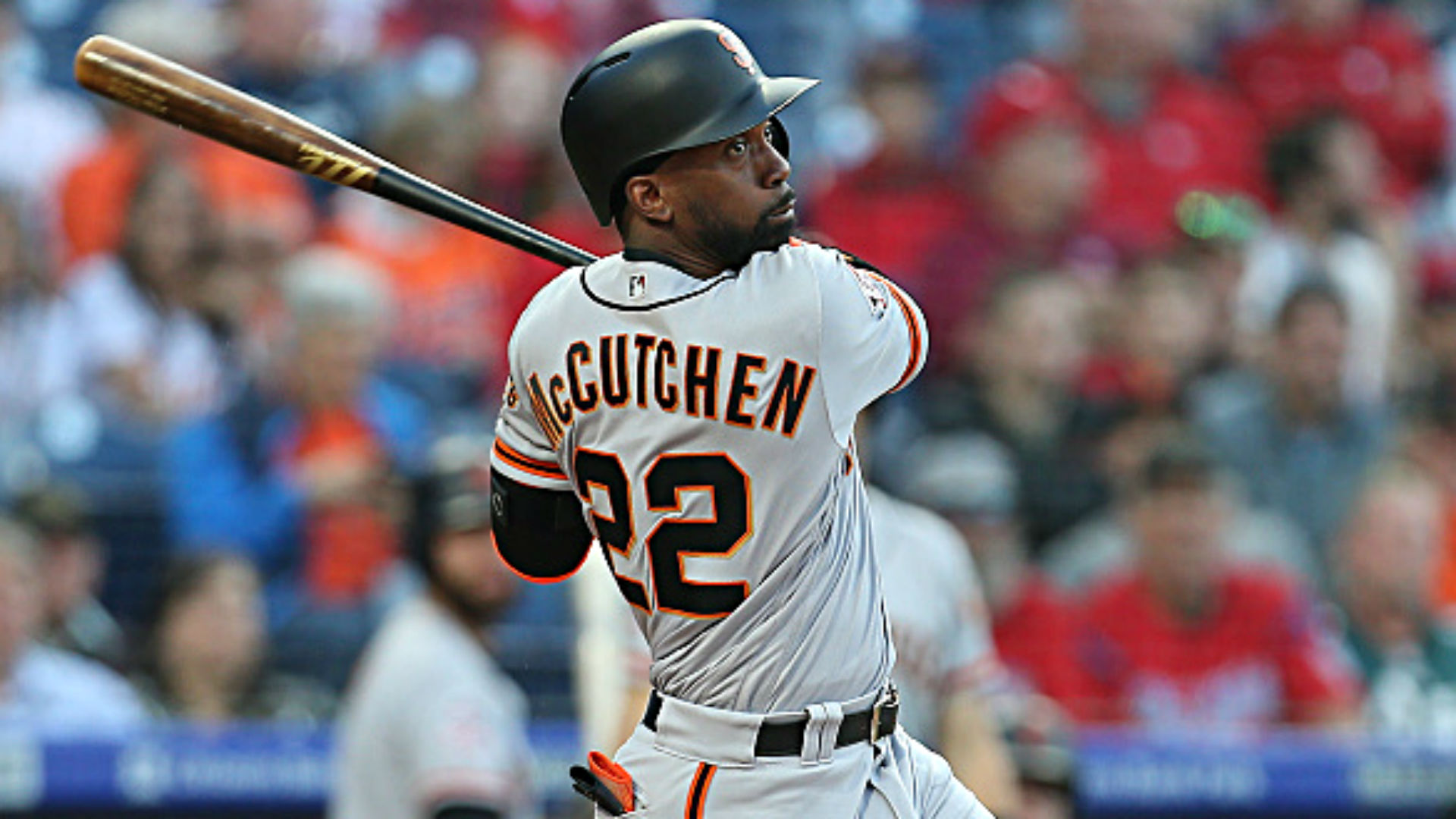 Giants' Andrew McCutchen Gets Long Standing Ovation in Return to Pittsburgh