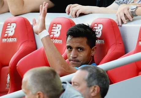 Alexis gets 'banter' at Arsenal over failed move