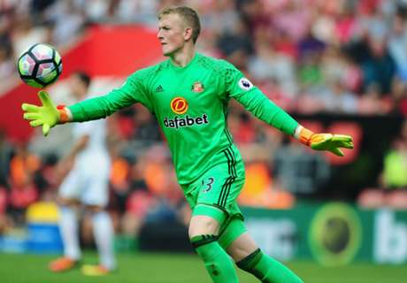 Moyes defends Pickford after howler