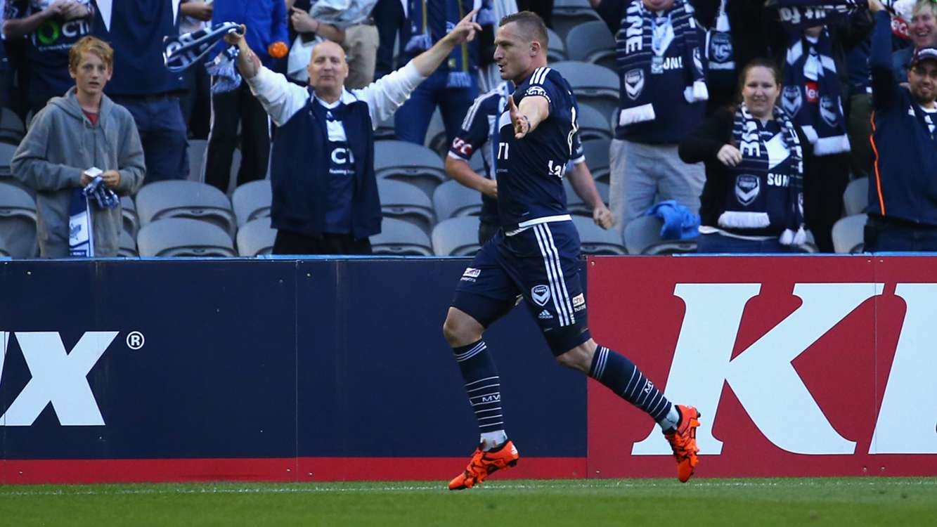 Besart Berisha extends Melbourne Victory stay