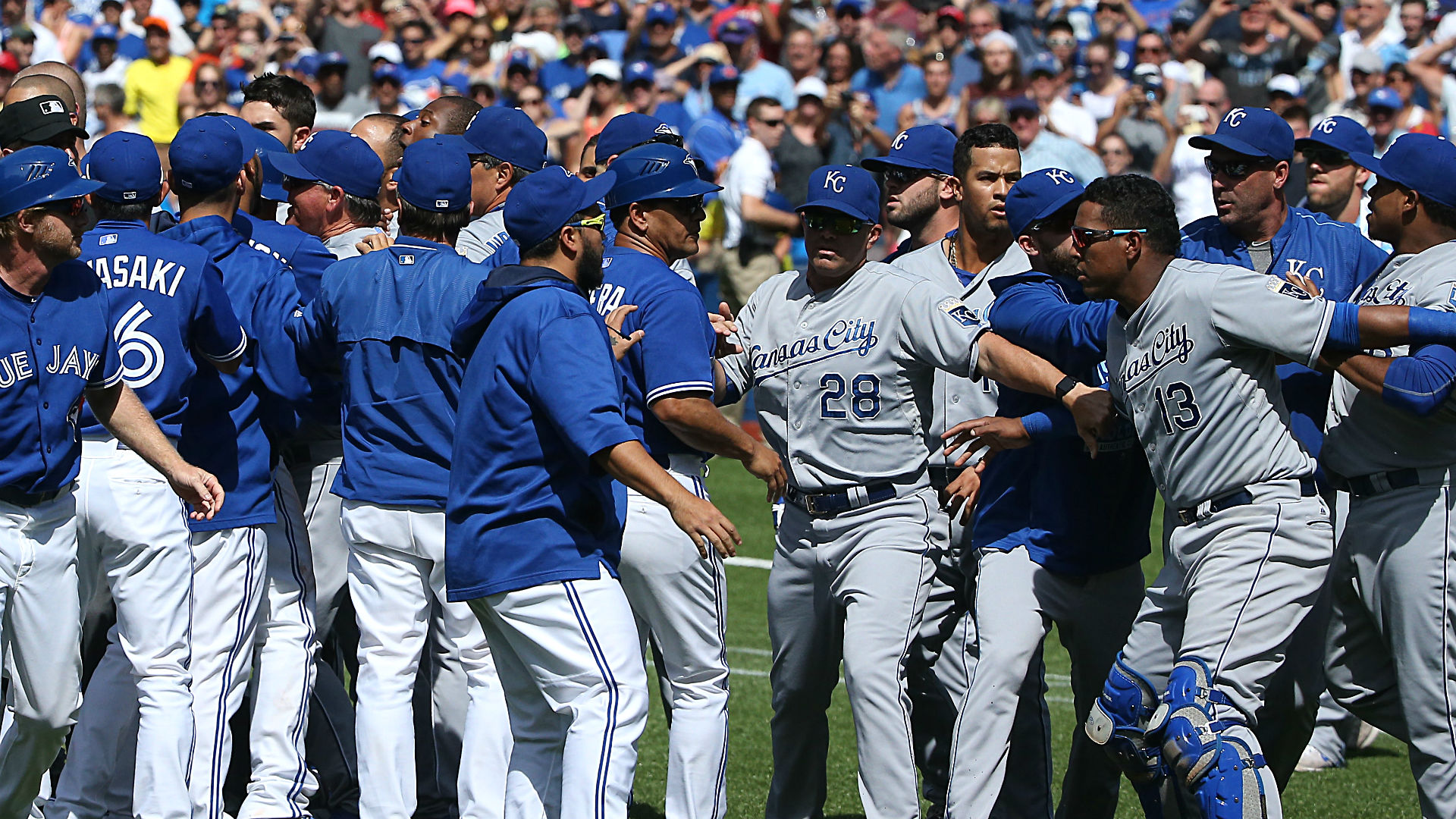 Cleared benches lead to ejections, high tension as Blue Jays defeat Royals