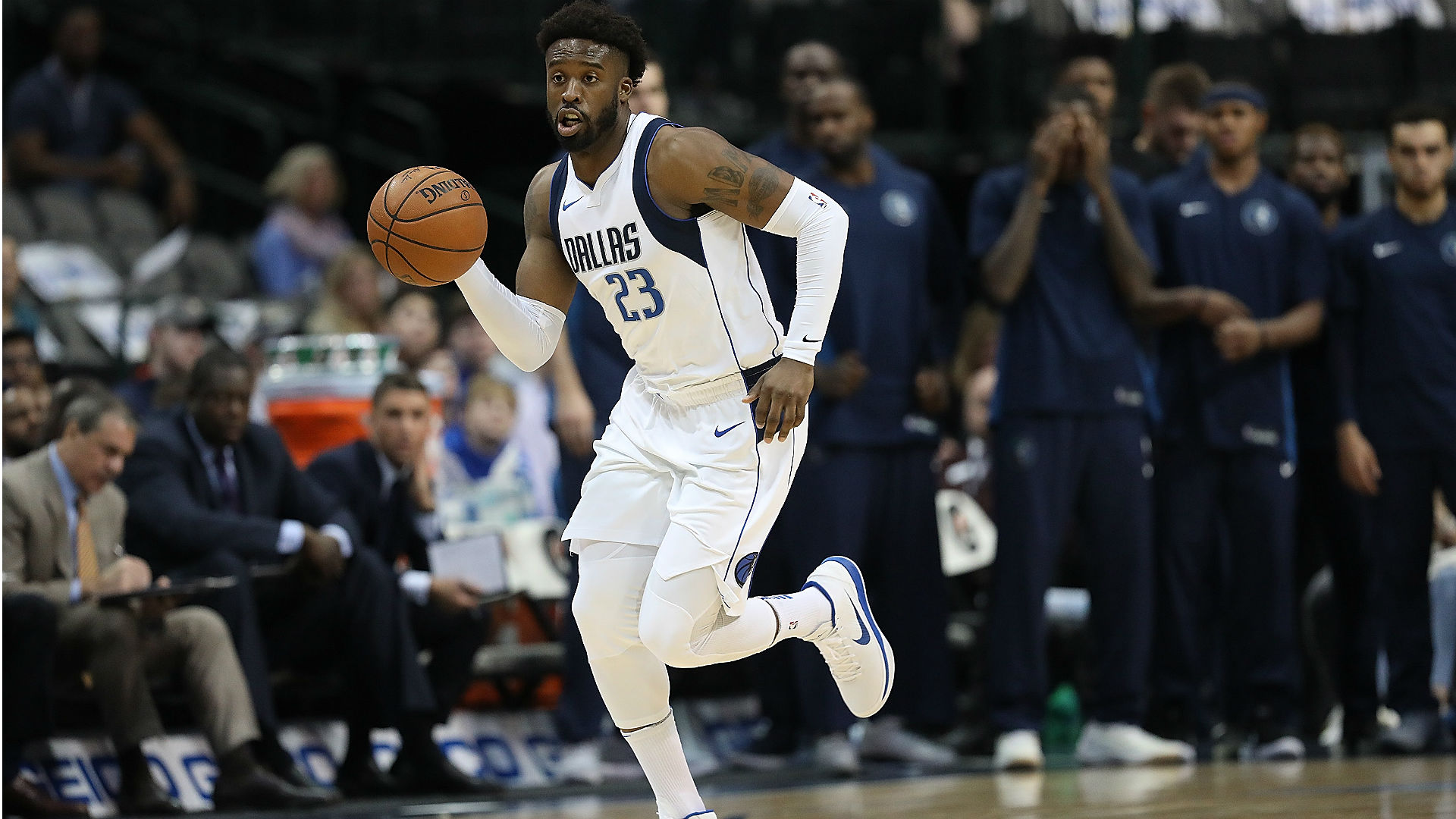 Mavs' Wesley Matthews Picks Up Player Option