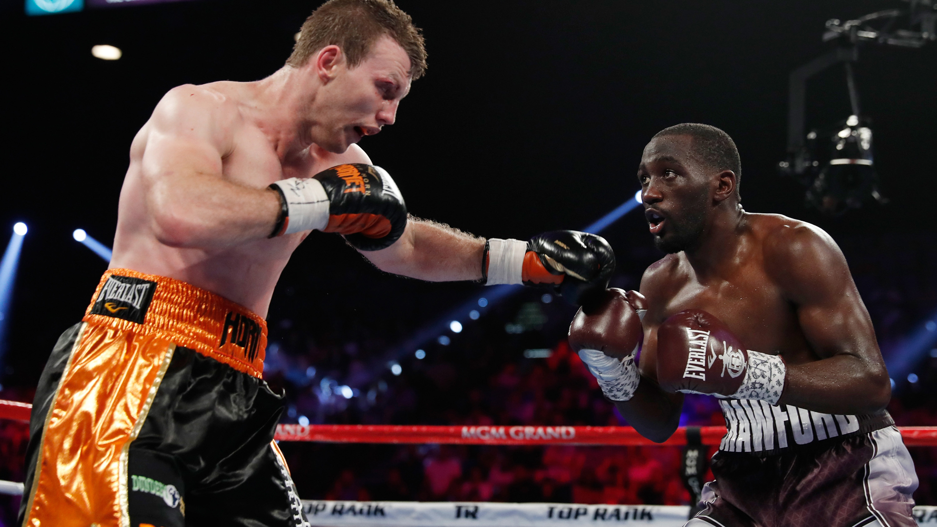 Jeff Horn makes 147 pounds on second attempt, Crawford 146.5 lbs