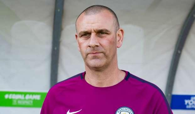 Simon Davies - cropped