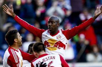 MLS Review: Wright-Phillips double inspires Red Bulls to New York derby rout