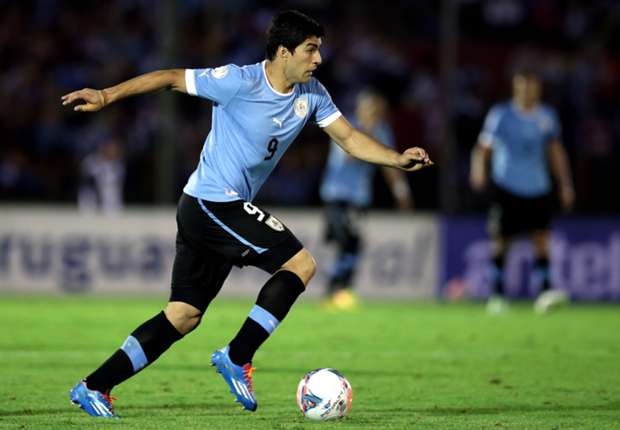 Suarez & Cavani headline provisional Uruguay squad