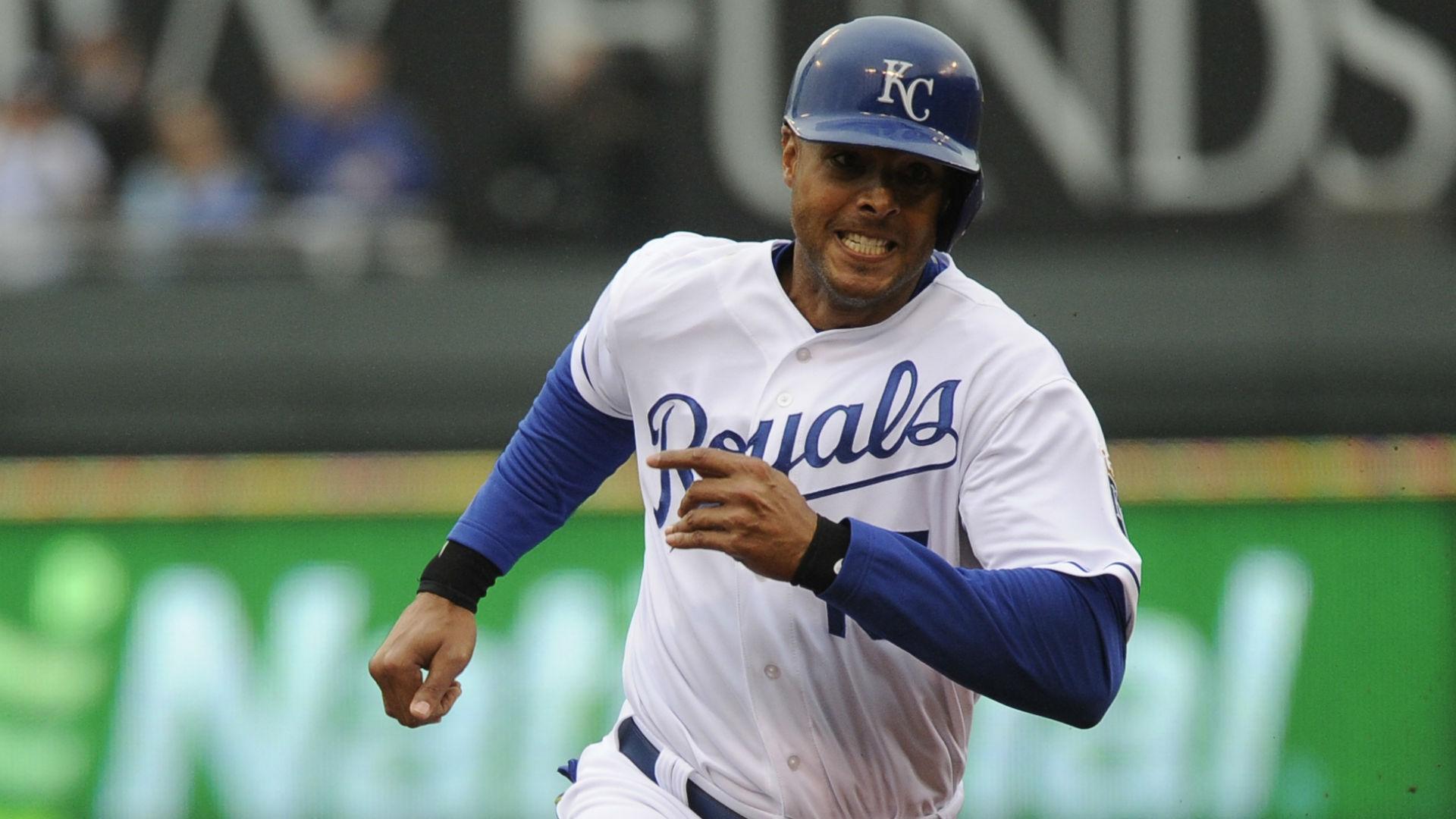 Royals outfielder Alex Rios