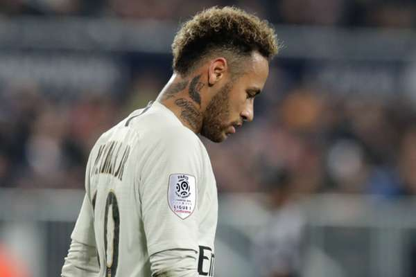 PSG star Neymar cried for two days after foot injury