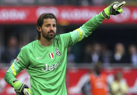 Cagliari sign Storari from Juventus