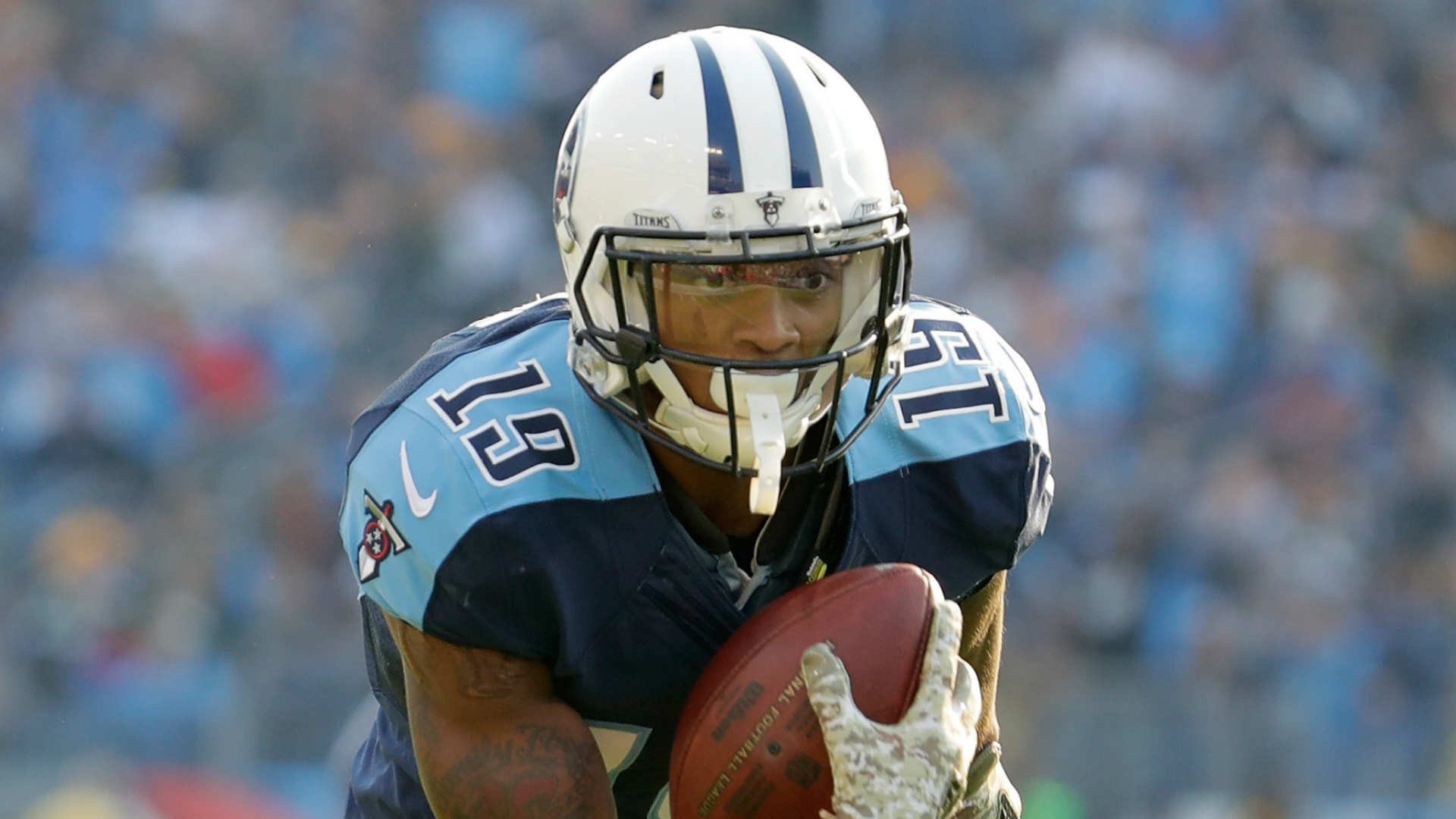 Tajae Sharpe, Titans WR, accused of assaulting man at Tenn. bar