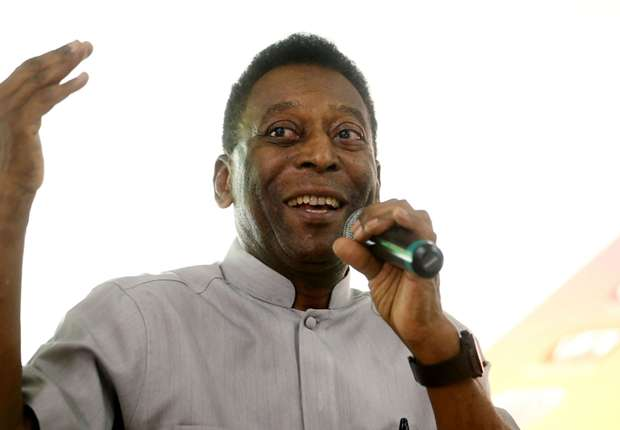 Pele 'fine' and in 'no pain' after reported health concerns